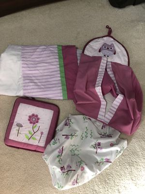 4 piece crib/nursery set for Sale in Beaver Falls, PA