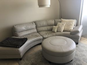 Leather Sectional Couch & Matching Storage Ottoman for Sale in Miami Beach, FL