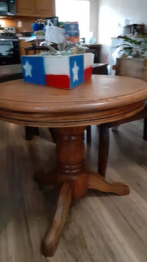 Small end table with succulent planter for Sale in Fort Worth, TX