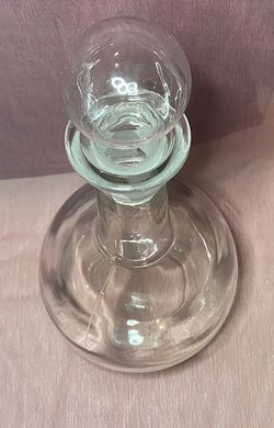 Clear Glass Decanter for Sale in Deerfield Beach,  FL