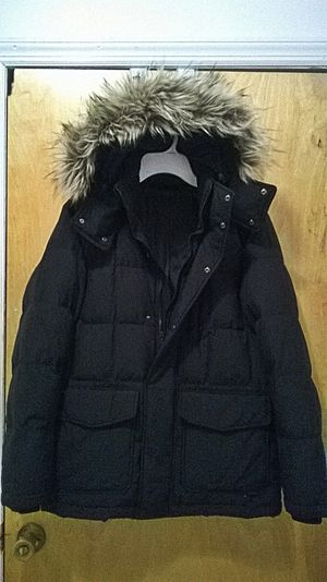Uniqlo Full Down Coat With Faux Fur Hood for Sale in Brooklyn, NY