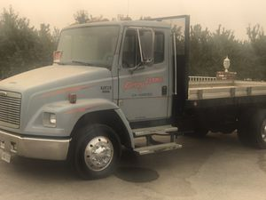 2001 FL60 freightliner dump bed with 30 i footi tilt bed trailer for Sale in Queen Creek, AZ