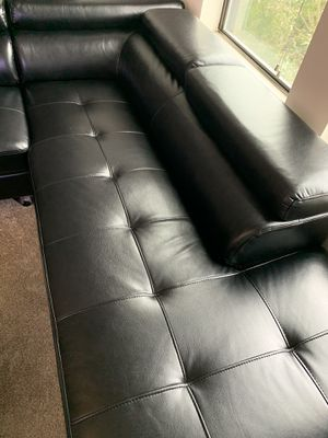 Leather sectional couch $400$ for Sale in Dallas, TX