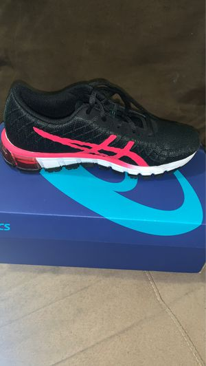 ASICS 6 1/2 (never used) for Sale in Los Angeles, CA