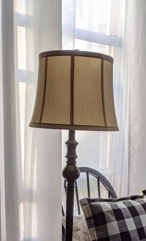 Floor lamp for Sale in Pennsauken Township, NJ