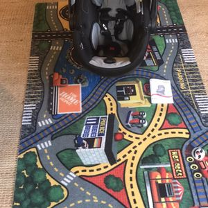 Car seat, for infant, without base. And Play Carpet. for Sale in Seattle, WA