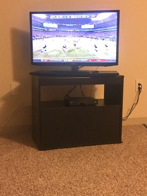 """Samsung 32"""" Smart TV for Sale in MIDDLE CITY EAST, PA"""