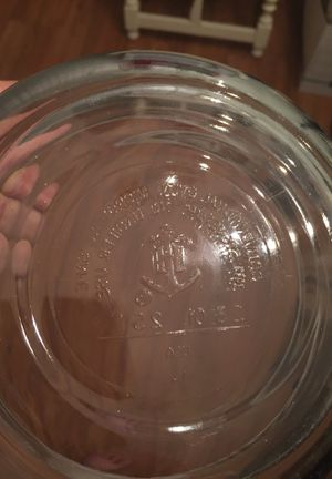 2 anchor hocking, 2 Pyrex glassware for Sale in Lake Worth, FL