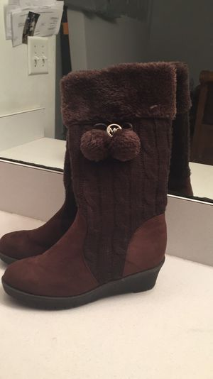 Michael Kors lil girl boots for Sale in Kissimmee, FL