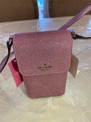 Kate spade brand new phone crossbody sparkly for Sale in North Miami Beach, FL