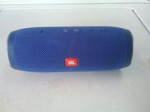 JBL 3 IN MINT CONDITION GOOD SOUND for Sale in Anaheim, CA