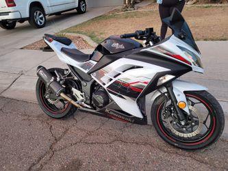 300cc Kawasaki  20014 for Sale in Phoenix, AZ