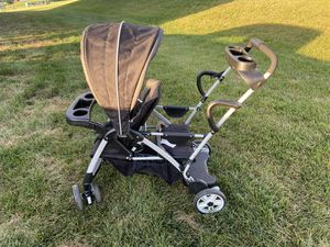 Graco Sit and Stand Double Stroller for Sale in Douglassville, PA