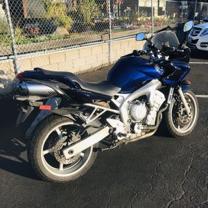 2004 YAMAHA FZ6 awesome sport touring bike. Super low miles, everything new, great condition, sport bike, street bike, motorcycle, 600cc, clean title for Sale in Riverside, CA