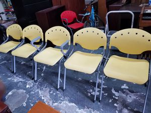 Yellow guest chairs $20 each (good condition) for Sale in Houston, TX