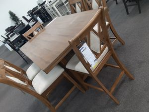 7 pc dining table set for Sale in Fontana, CA