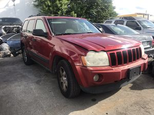 2008 Jeep Cherokee Laredo PARTING OUT PARTS ONLY for Sale in Miami Gardens, FL