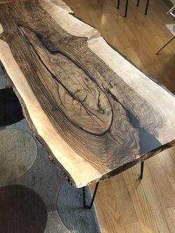 Live Edge/natural Edge Black Walnut Coffee Table for Sale in Everett,  WA