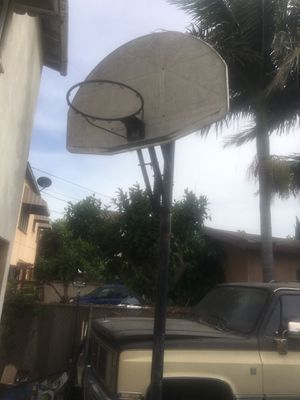 Basketball hoop with stand for Sale in Los Angeles, CA