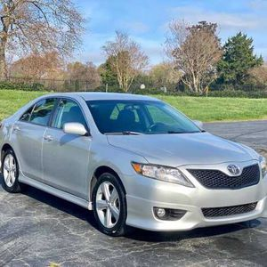 Like New Toyota Camry 2011! for Sale in St. Cloud, MN