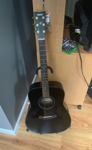 Yamaha F335acoustic guitar for Sale in Springfield, VA