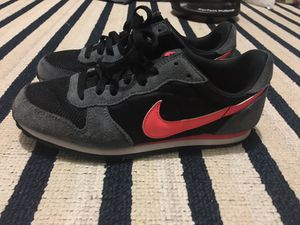 Nike Women Shoes Size 7 for Sale in Miami, FL
