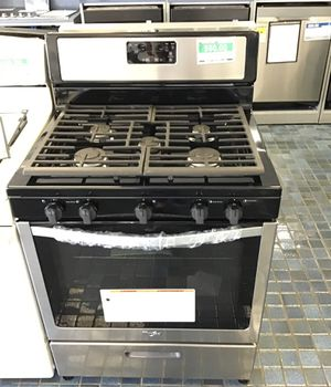 Whirlpool Gas Range in Stainless Steel for Sale in Fresno, CA