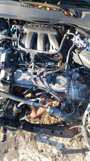2005 ford taurus 3.0 engine runs good sell or trade for Sale in Pembroke, GA