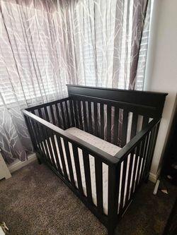 Black Crib  for Sale in Fontana, CA