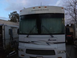 Motor home 30' Winnebago under50k miles 502v8 1slide out no low ballers 2005 motorhome fully self contained everything works for Sale in Baldwin Park, CA