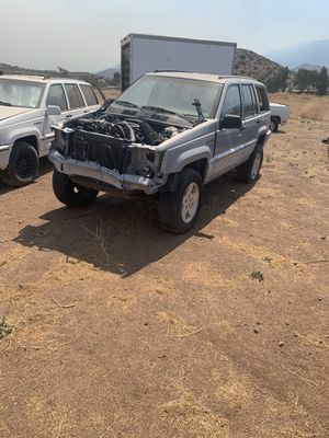 1996 Jeep Grand Cherokee parts for Sale in Acton, CA