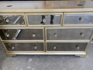 Drawer dresser for Sale in Rancho Santa Fe, CA
