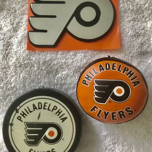 VINTAGE FLYERS MEMORABILIA COLLECTION. for Sale in Berlin, NJ