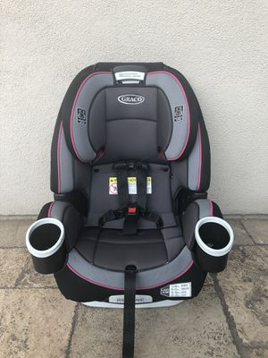 PRACTICALLY NEW GRACO 4 in 1 FOREVER CONVERTIBLE CAR SEAT!!! Expires 2027 for Sale in San Bernardino, CA