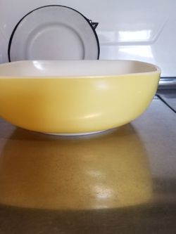 Pyrex Square Hostess Bowl for Sale in Whittier,  CA