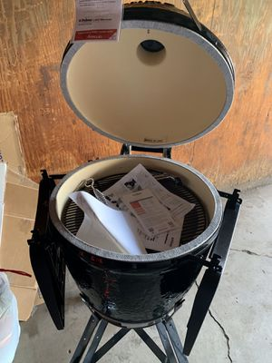 Primo oval xl 400 grill and smoker for Sale in Inver Grove Heights, MN