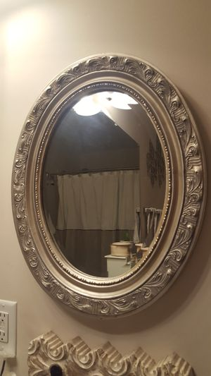 Oval silver wall mirror for Sale in Nashville, TN
