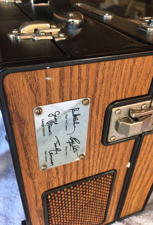 Beatles pickup CD player/radio