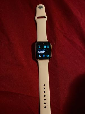 Series 5 Apple Watch 40mm rose gold for Sale in Los Angeles, CA