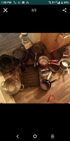 If you need pots pans.... skillets.... strainer I have it in this picture the pots and pans are $3 each the strainer is $5 the blender is $5 for Sale in Las Vegas, NV
