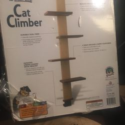 Cat Climber Multi level climbing platform and scratch pad for Sale in Las Vegas,  NV