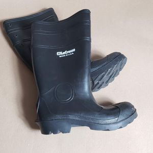Heavy duty Winter rain boots for Sale in Phoenix, AZ