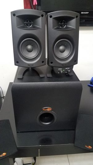 Klipsch desk speakers w/ subwoofer . parlantes bocinas. Klipsch Promedia 2.1 for Sale in Alexandria, VA