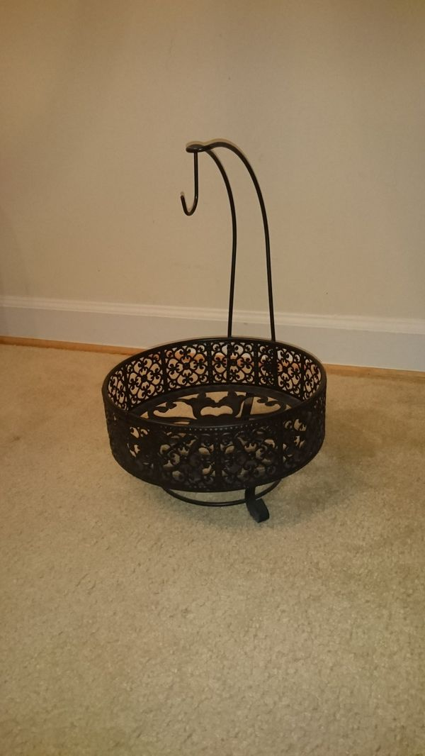 Fruit basket $15