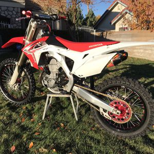 Motorcycle - HONDA 2013- CRF450 Excellent condition for Sale in Lake Hughes, CA