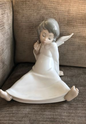 Lladro figurine: Cherub, Wondering for Sale in Chicago, IL