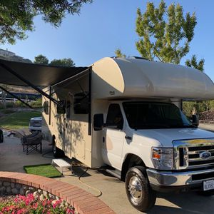 2019 THOR INDUSTRIES OUTLAW 29J for Sale in Huntington Beach, CA