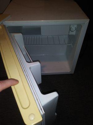 Mini Emerson Refrigerator for Sale in Marysville, WA