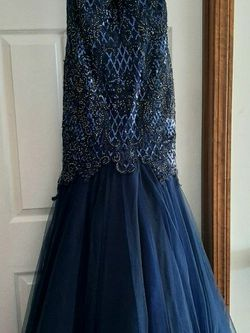 Prom Dress NAVY BLUE SParkle - LUCCI LU - SIZE 4 for Sale in North Royalton,  OH