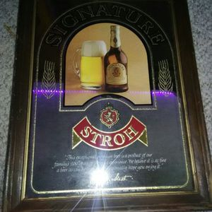 """ANTIQUE STROH BEER SIGNATURE BEER MIRROR MANCAVE 20 1/2 """"tall x 15""""wide for Sale in Elk Grove Village, IL"""